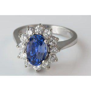 3.70 Carats Ceylon saphire with diamonds Engagemen